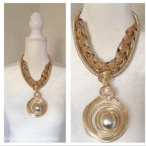 Jewelry - Gold Neck Piece✨✨